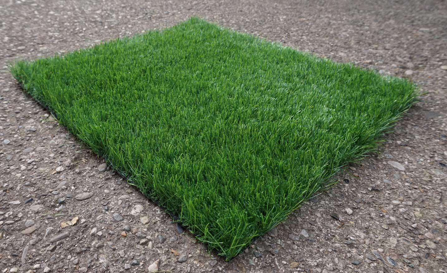 Prato finto erba sintetica verde tappeto erboso drenante esterno